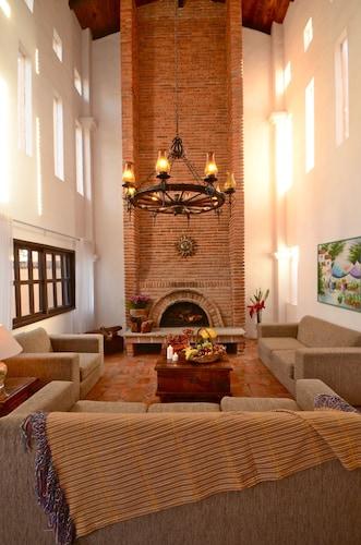 Hotel Danza del Sol, Ixtlahuacán de los Membrillos
