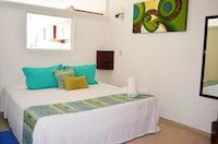 Suite de lujo, 1 habitación, cocina, con vista parcial al mar