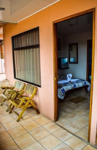 Hostel La Choza Inn, San Carlos