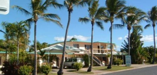 Palm View Holiday Apartments, Bowen