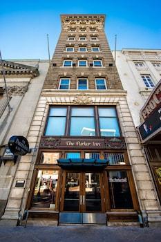 Hotel - The Parker Inn & Suites