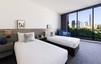 Guestroom at Alpha Mosaic Hotel Fortitude Valley in Fortitude Valley