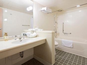 NARA ROYAL HOTEL Bathroom