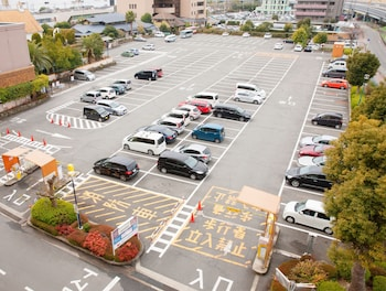 NARA ROYAL HOTEL Parking