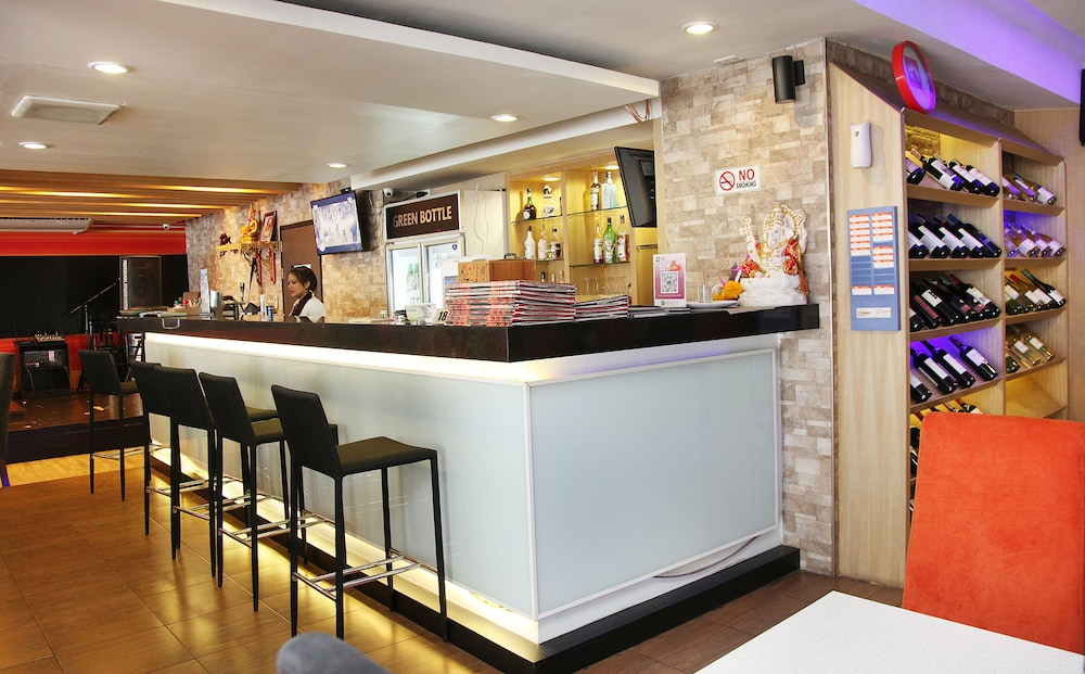 Hotel Bar