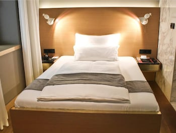 Superior Room, 1 Queen Bed (Single Use 1.Etage)