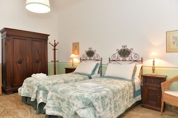 Classic Double or Twin Room, Private Bathroom (external)
