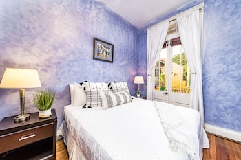 Degas #8 - 2 Bedroom Apartment with Balcony