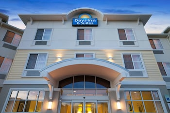 Hotel - Days Inn & Suites by Wyndham Altoona