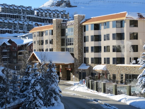 . Grand Lodge by Crested Butte Lodging