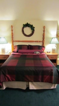 Suite, 1 Queen Bed with Sofa bed, Non Smoking (2 rooms)
