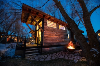 Hotel - Fireside Resort
