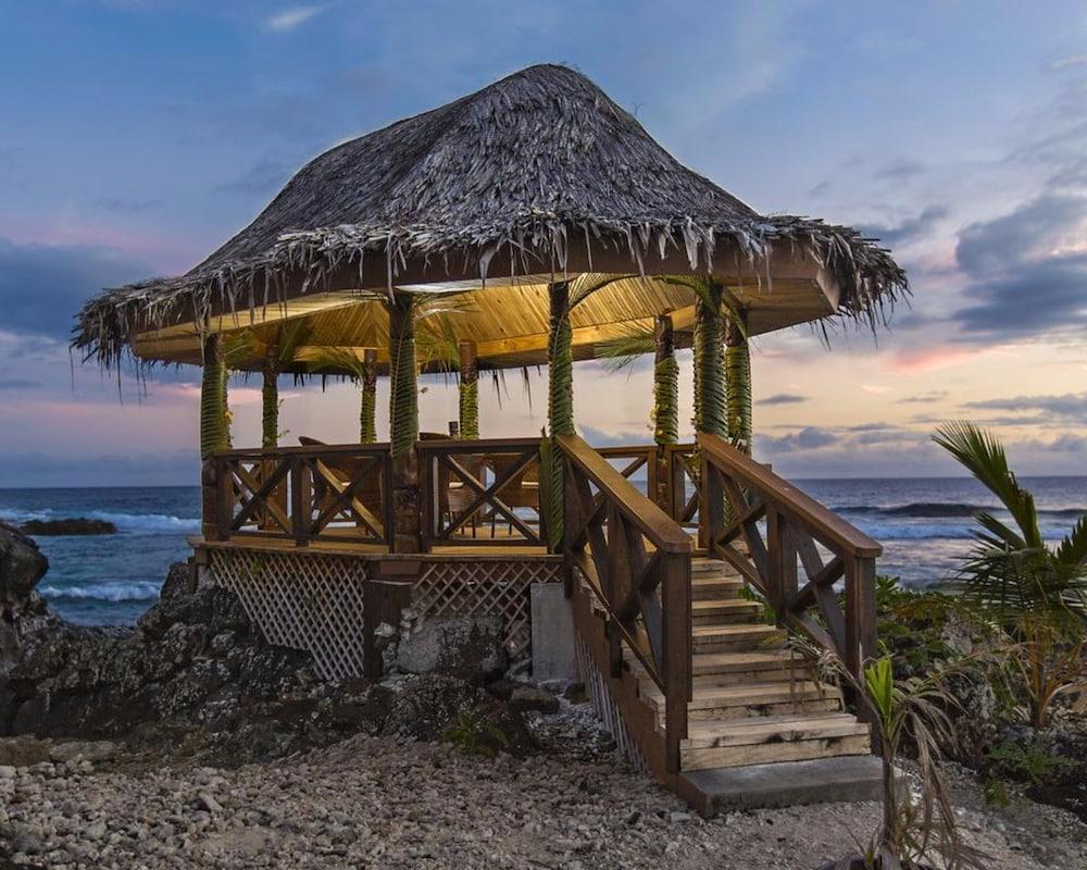 https://i.travelapi.com/hotels/8000000/7630000/7624200/7624107/4a969e62_z.jpg