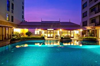 Lasalle Suites & Spa Hotel - Pool  - #0