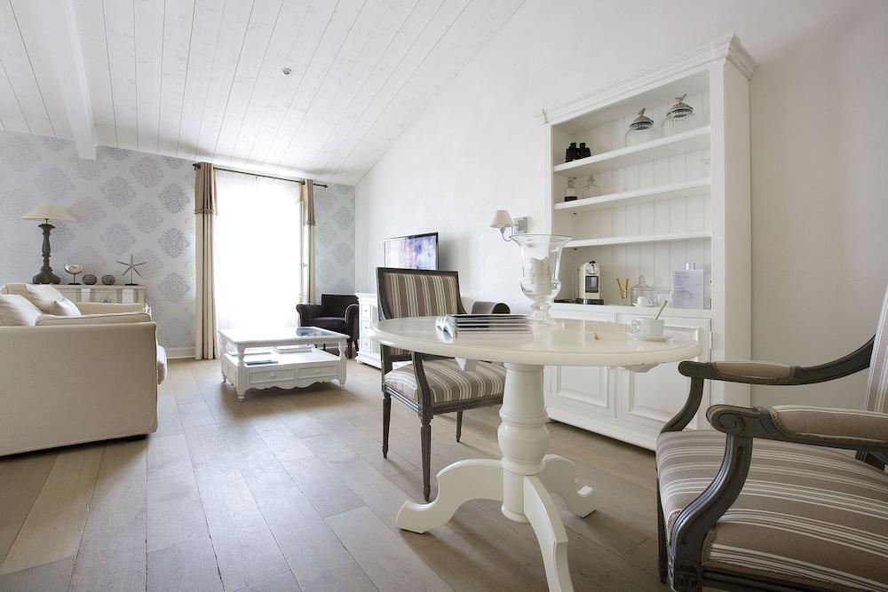 르 클로 생마르탱 호텔 & 스파(Le Clos Saint-Martin Hôtel & Spa) Hotel Image 10 - Guestroom
