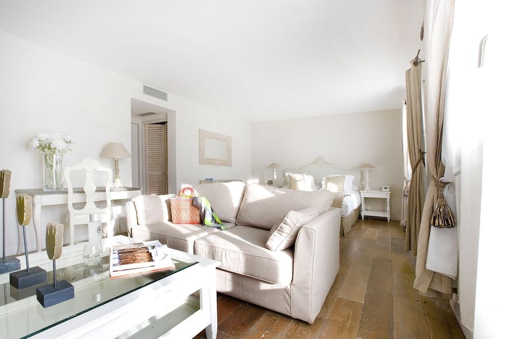 르 클로 생마르탱 호텔 & 스파(Le Clos Saint-Martin Hôtel & Spa) Hotel Image 16 - Guestroom