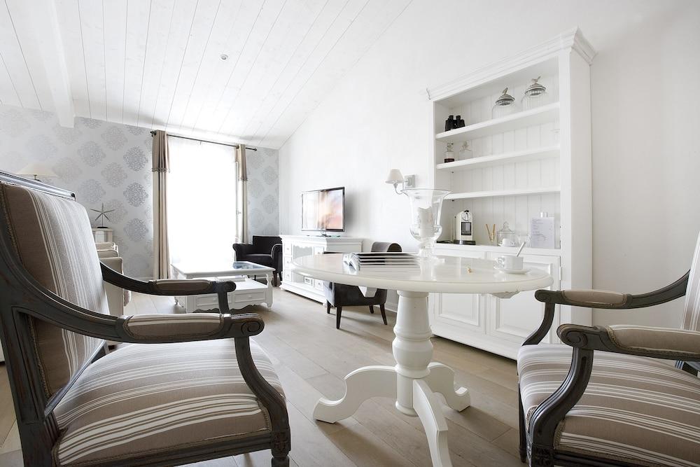 르 클로 생마르탱 호텔 & 스파(Le Clos Saint-Martin Hôtel & Spa) Hotel Image 26 - Guestroom