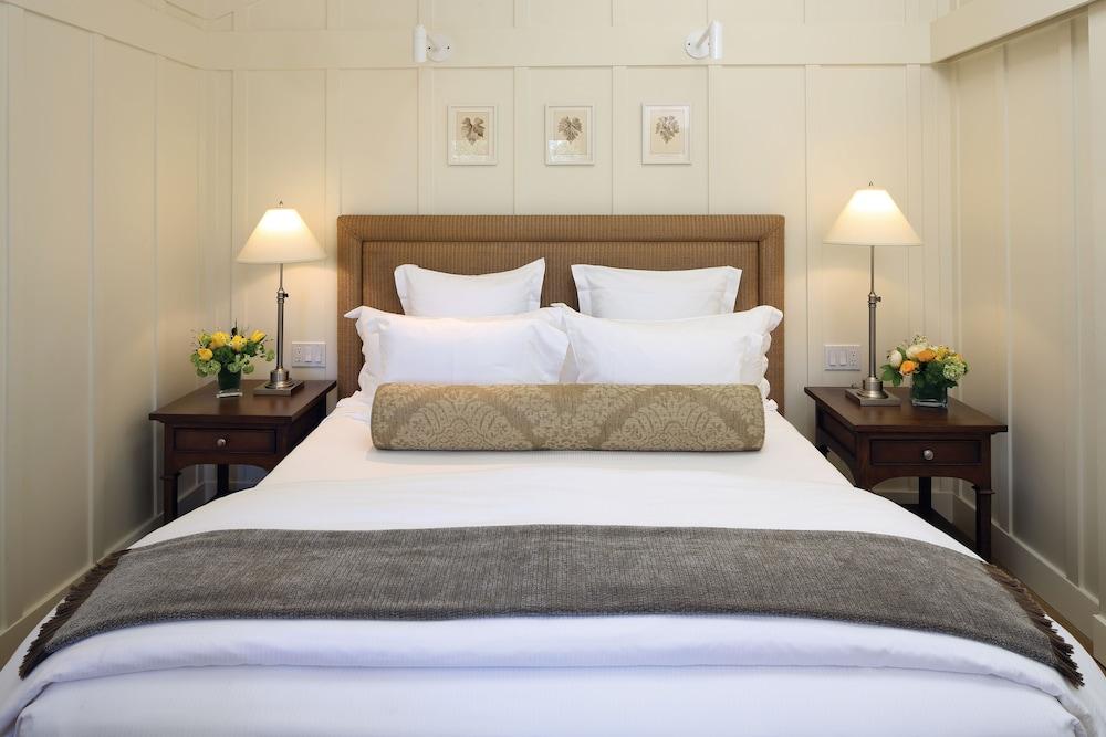https://i.travelapi.com/hotels/8000000/7680000/7674000/7673916/1c8cbf9f_z.jpg