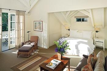 Room (Lawnview Alcove)