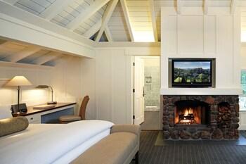 Room (Oakview)