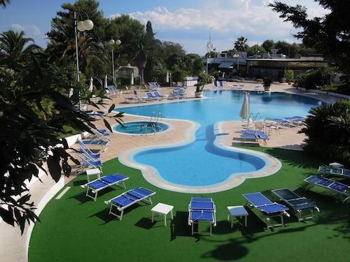 . Hotel Santa Lucia