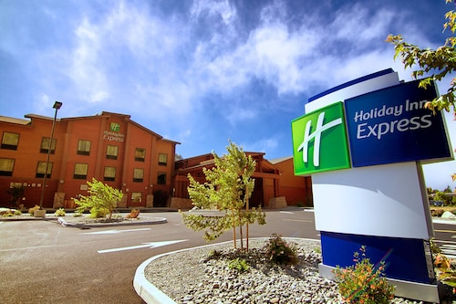. Holiday Inn Express Klamath - Redwood Ntl Pk Area