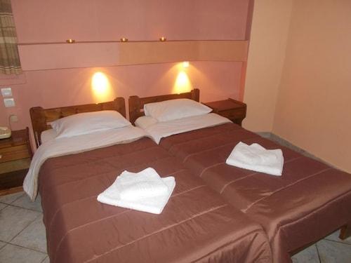 Hotel Elite, Attica