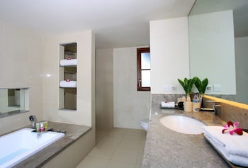 Serene Villas - Bathroom  - #0