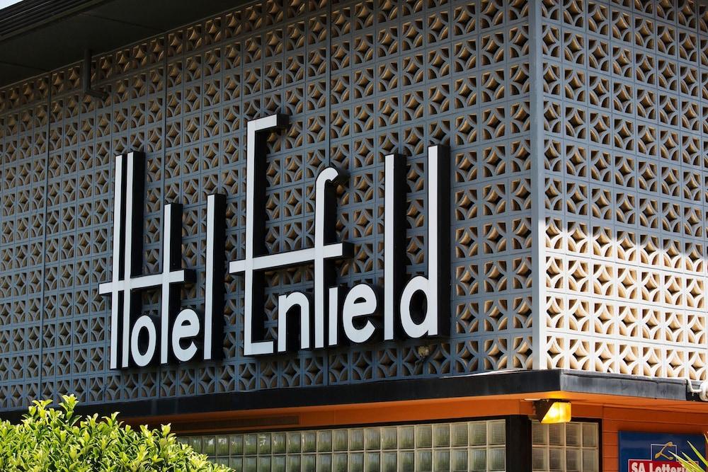 https://i.travelapi.com/hotels/8000000/7710000/7706800/7706740/da72beb1_z.jpg