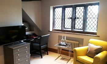 Main House - Comfy King Room