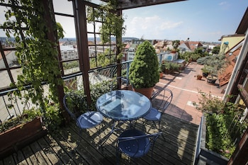 Exclusive Apartment, 2 Bedrooms, Terrace, City View