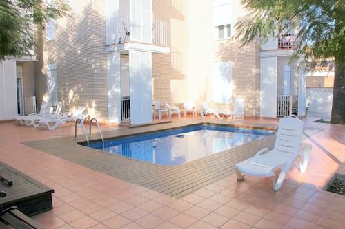 Castelldefels - Apartamentos Caru - ze Szczecina, 9 kwietnia 2021, 3 noce