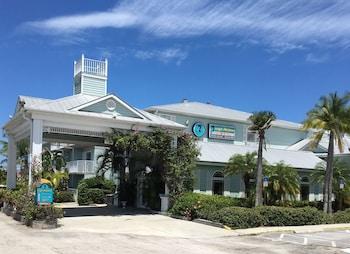 Hotel - Capt Hiram's Resort