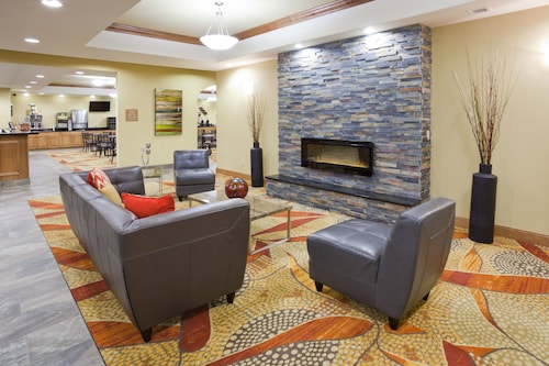 . Expressway Suites of Grand Forks
