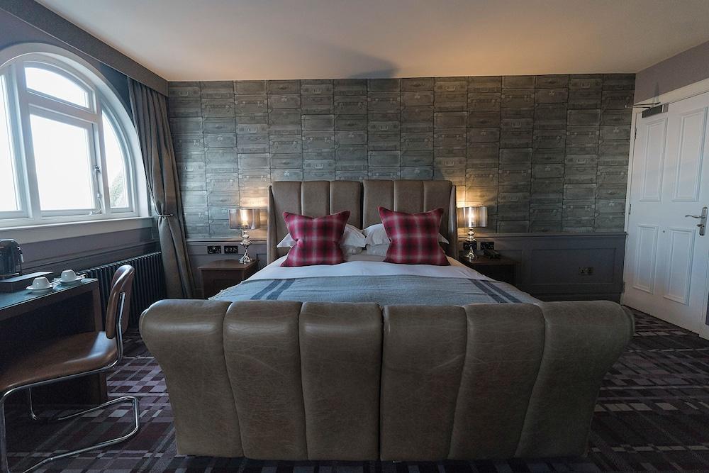 https://i.travelapi.com/hotels/8000000/7730000/7728500/7728488/268b2d88_z.jpg