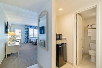Dunes Manor Hotel - Room, 1 King Bed, Oceanfront