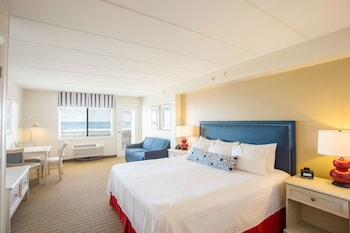 Dunes Suites Building - Suite, 1 King and 1 Sofa bed, Oceanfront
