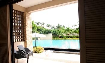 Coralpoint Gardens Cebu Outdoor Pool