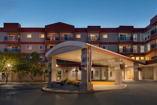 . Stanton Suites Hotel Yellowknife