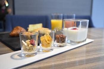 SHINJUKU GRANBELL HOTEL Breakfast Meal