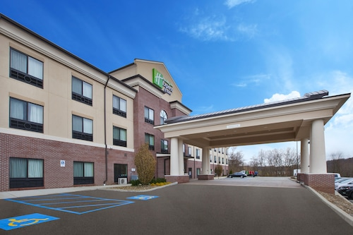 . Holiday Inn Express & Suites Washington - Meadow Lands, an IHG Hotel