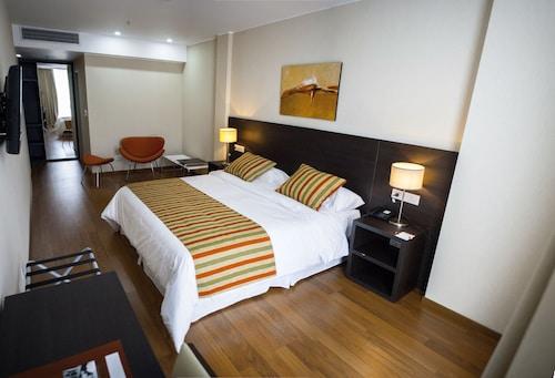 . Amérian Puerto Rosario Hotel