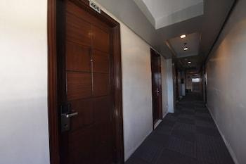 OYO 114 ONE LIBERTY HOTEL Hallway