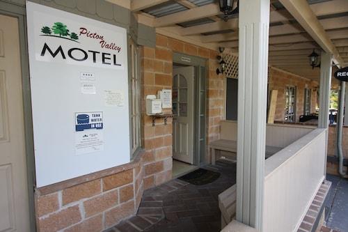 . Picton Valley Motel