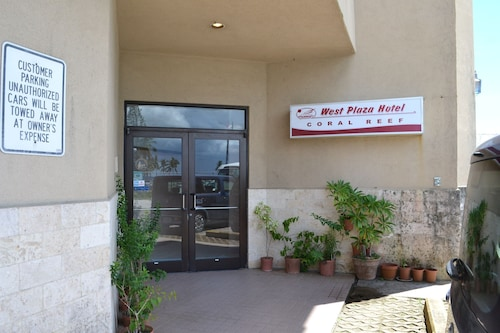 West Plaza Hotel Coral Reef,
