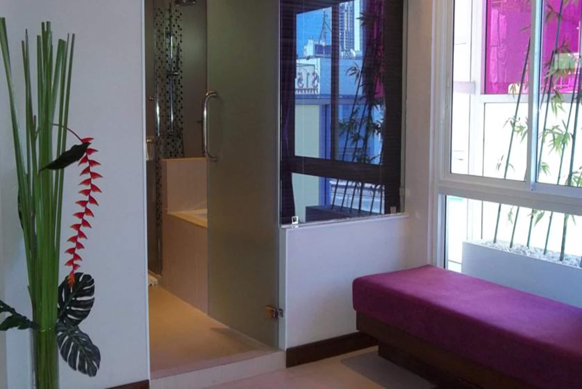 Paradiso Boutique Suites, Khlong Toey