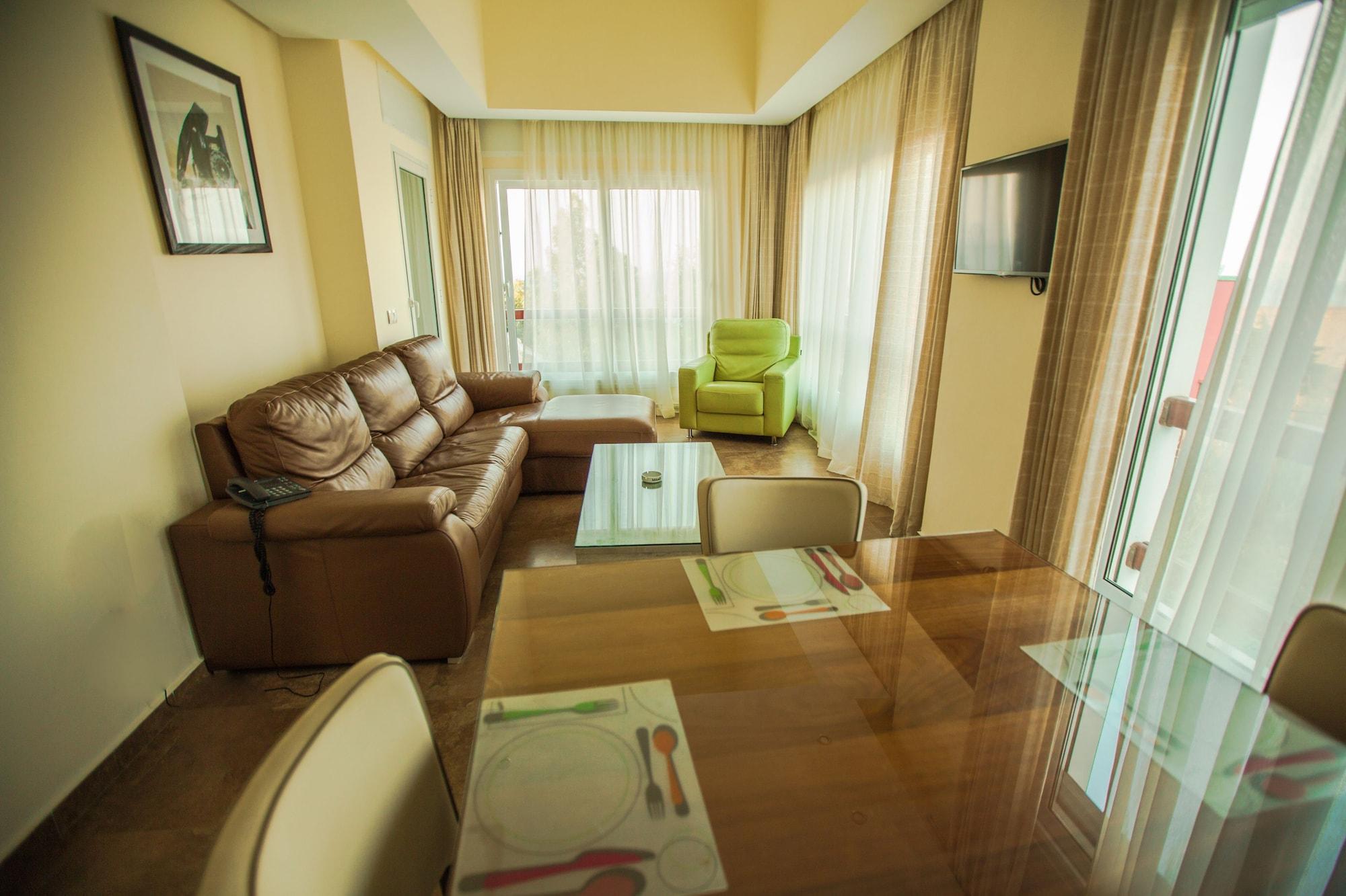 Mnar Castle Apartments, Fahs Anjra
