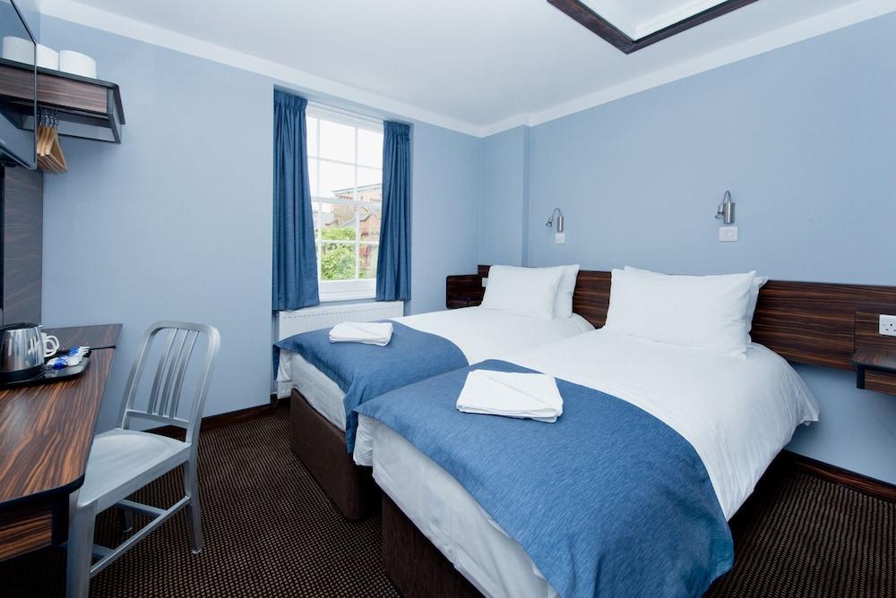 The Angus Hotel, London