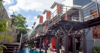 Hotel - Nicky's Handlebar Hotel
