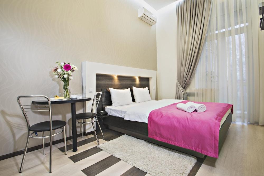 Апарт-отель «Статус»